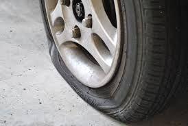 crevaison des pneus comment r agir suite une crevaison. Black Bedroom Furniture Sets. Home Design Ideas