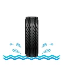 Ausgezeichneter Grip und hervorragende Bremseigenschaften auf nassem Boden